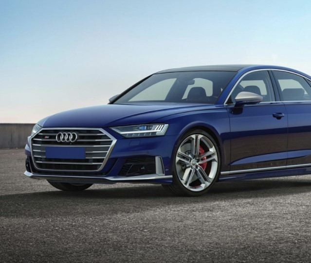 2021 Audi S8 Front View