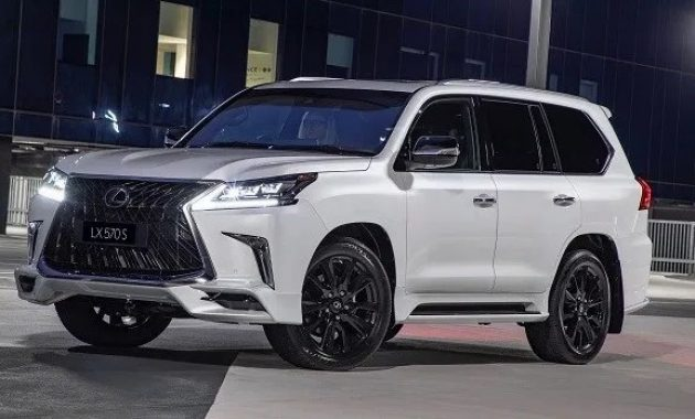 2021 Lexus LX 570 with new exterior layout
