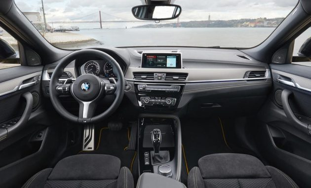 2022 BMW X2 Cabin and Infotainment Features