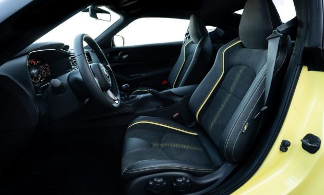 2021 Nissan 400Z with new interior layout