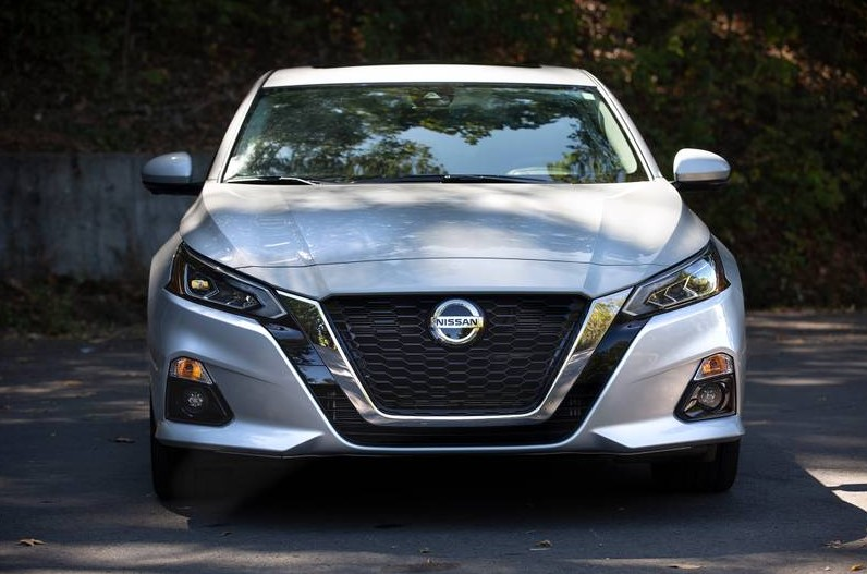 2021 Nissan Altima Front View